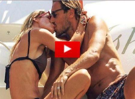 Video Ilary Blasi e Francesco Totti, vacanze hot in barca a Sabaudia