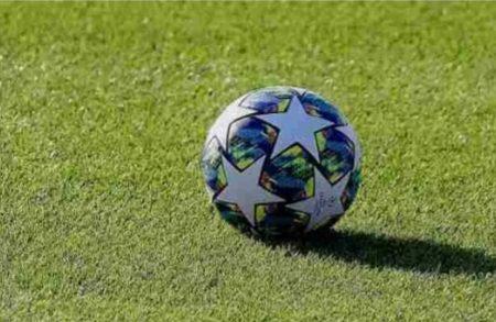"""Clamorosa richiesta dell'OMS alla UEFA: """"Niente calcio fino alla fine del 2021"""""""